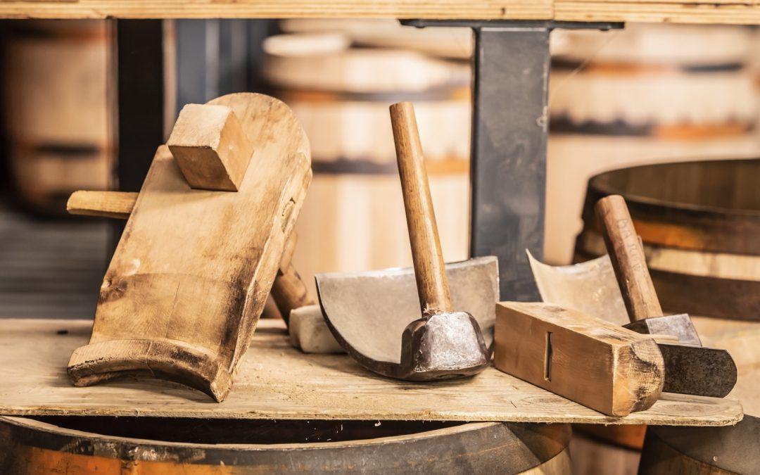 Les gestes et outils de la tonnellerie